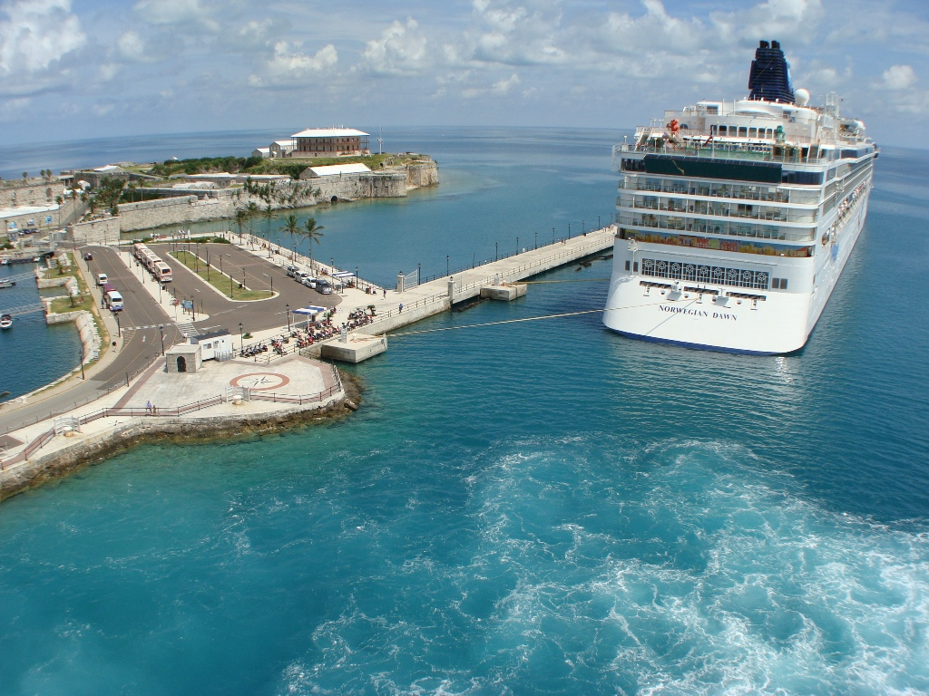 LIVE From Enchantment Of The Seas Bermuda Aug Page - Cruises to bermuda from boston