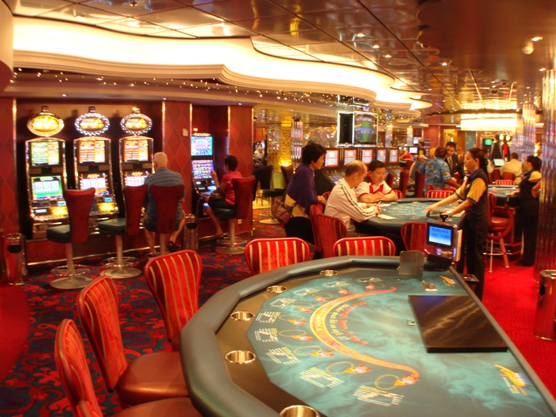 oasis of the seas casino games