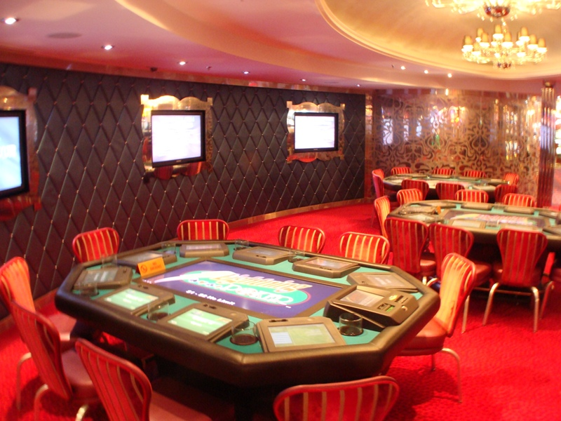 Oasis of the seas poker cruise